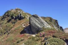 Le sentier devient plus escarpé à l'approche du sommet (21 septembre 2019)