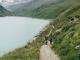 Le chemin longeant le Lac de Moiry est très pittoresque (28 juillet 2018)