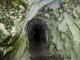 Petit tunnel dans la roche