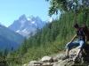 Sentier avec l'Aiguille des Grands Charmoz au fond (18 aout 2007)