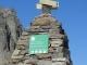 Panneau sur le cairn de la réserve