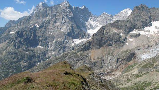 Monts Rouges de Triolet vus depuis le Grand Col Ferret