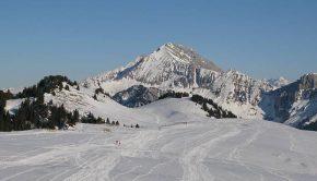 Au dessus du Plateau des Glières, la Montagne des Auges offre une jolie vue sur le Jallouvre