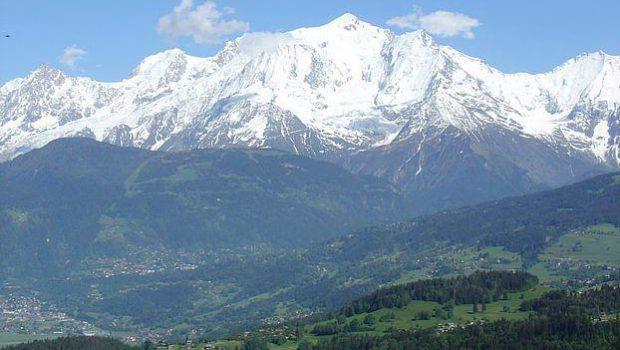 Vue sur le Mont Blanc depuis la Crête des Bénés