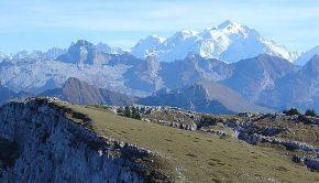 Vue sur le Mont Blanc depuis la Montagne de Sous-Dine
